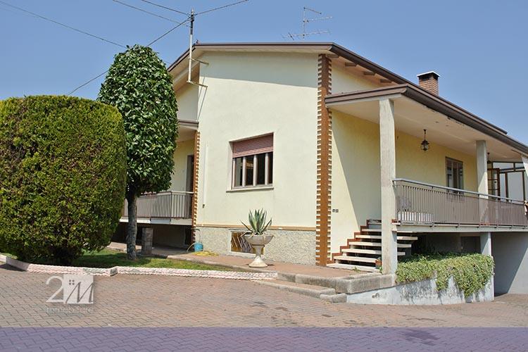 Case in affitto verona casa singola in affitto a for Appartamenti arredati in affitto a verona
