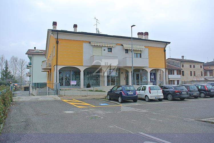 Negozio_affitto_pradelle_nogarole_2m_immobiliare