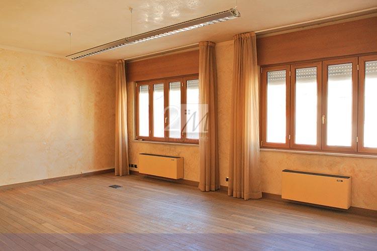 Ufficio_6_locali_affitto_villafranca_2m_immobiliare