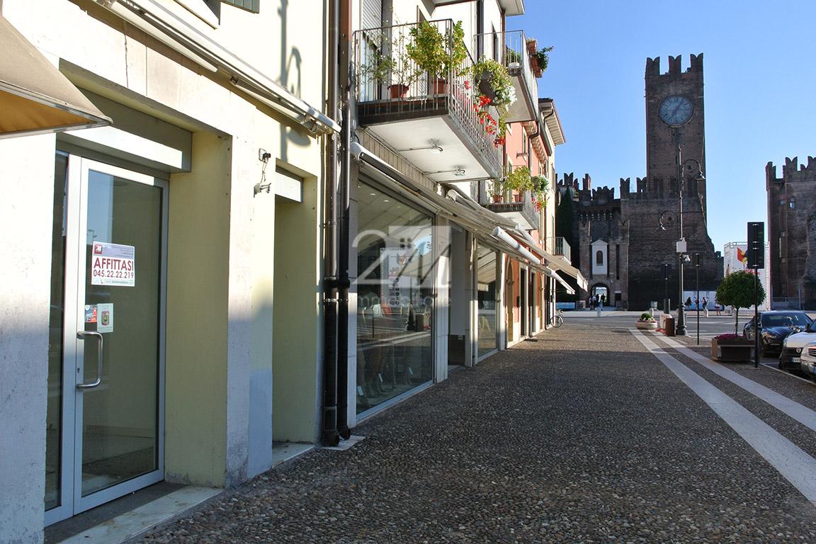 Negozio_affitto_centro_villafranca_2m_immobiliare