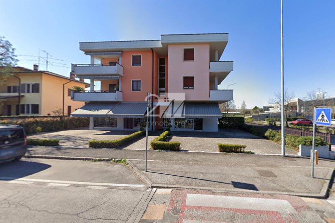 Negozio_plateatico_affitto_villafranca_2m_immobiliare