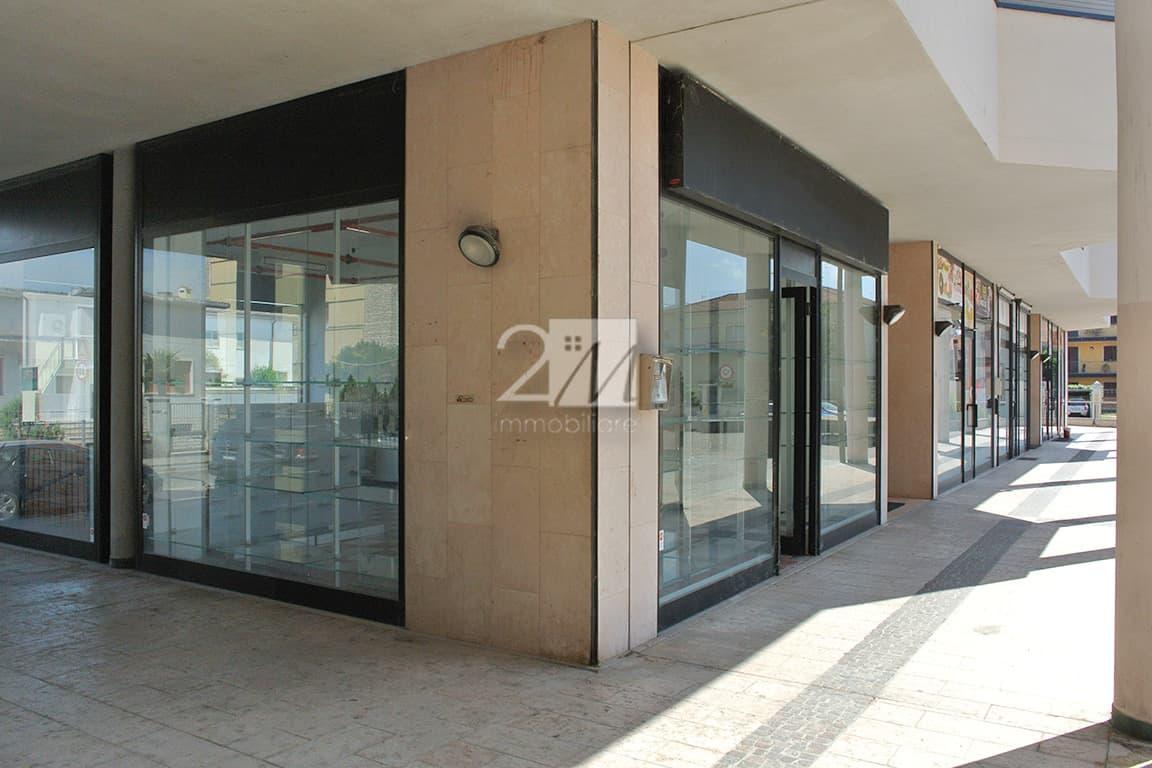 Negozio_magazzino_vendita_villafranca_verona_2m_immobiliare